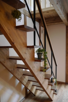 階段が飾り棚に♪