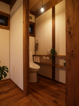 """トイレの造作棚は"""" THE 見せる収納"""""""