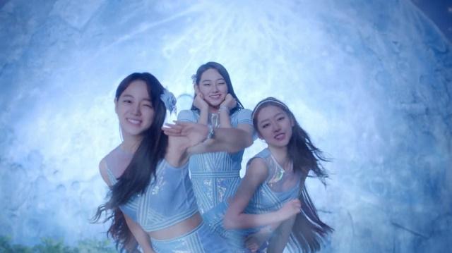 Jellyfishgirls-0104.jpg