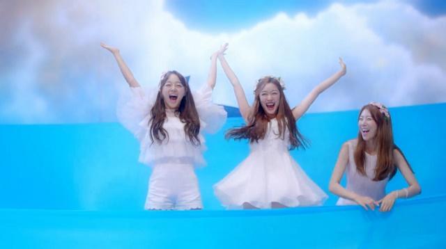 Jellyfishgirls-0117.jpg