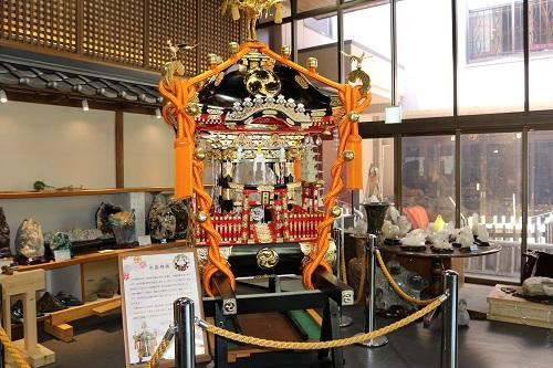 水晶神輿 (2)