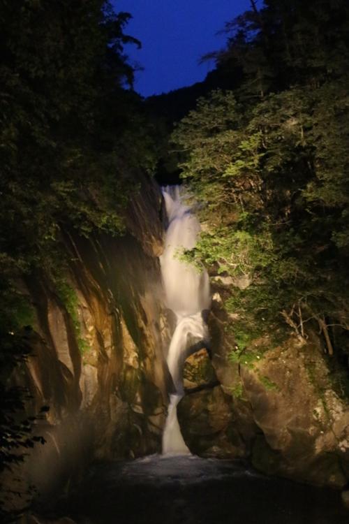 昇仙峡 仙娥滝 ライトアップと竹灯籠のあかり  仙娥滝ライトアップ