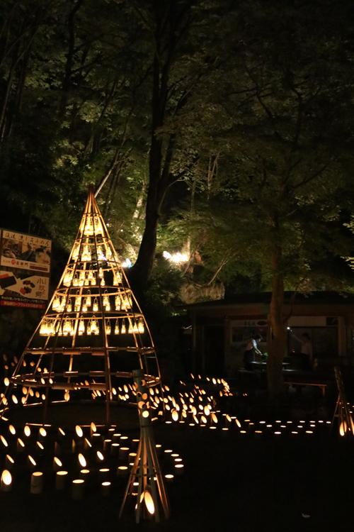 昇仙峡 仙娥滝 ライトアップと竹灯籠のあかり  滝上ライトアップ
