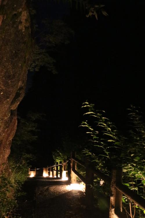 昇仙峡 仙娥滝 ライトアップと竹灯籠のあかり 仙娥滝から金渓館までの道のり (4)