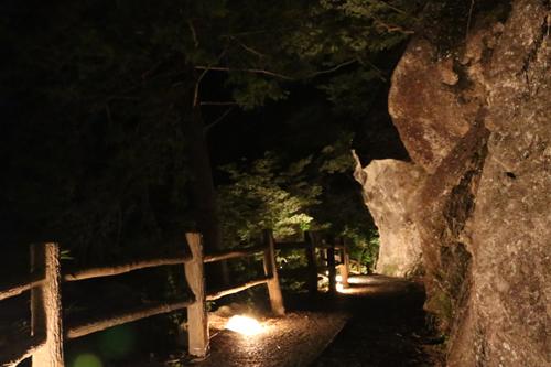 昇仙峡 仙娥滝 ライトアップと竹灯籠のあかり 仙娥滝から金渓館までの道のり (6)