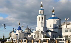 モスクと教会