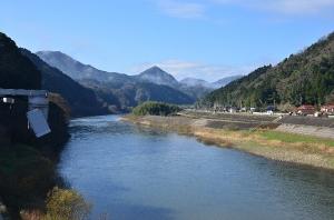 川本大橋から見た江の川