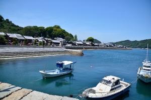 千砂子波止にある雁木の港と御手洗の町