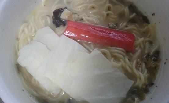 日清麺屋 高菜とんこつ04