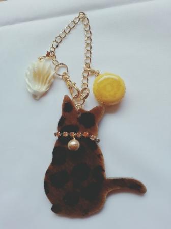 2016 猫のチャーム黄色マカロン