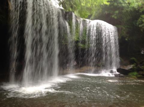 鍋ヶ滝 ①