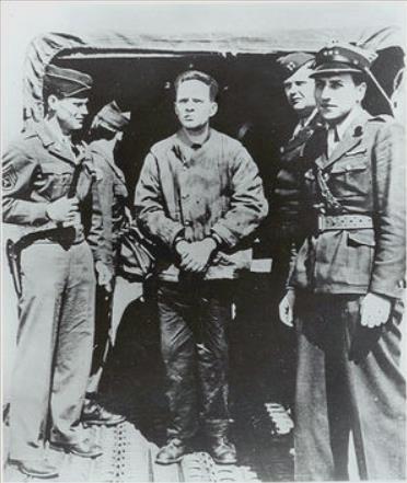 ナチス収容所の兵士たち1