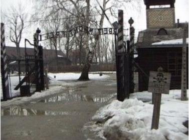 ナチスアウシュビッツ入口1
