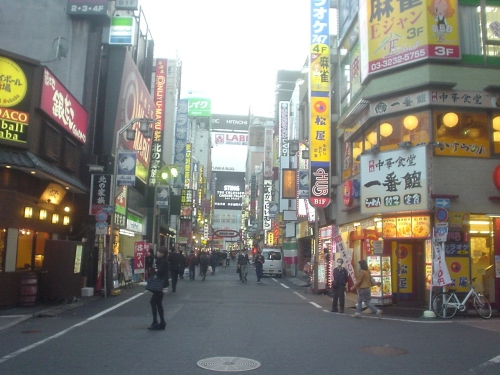 融合看板群in新宿