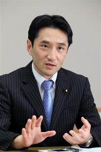 20160628_共産党の藤野保史政策委員長(200x300)