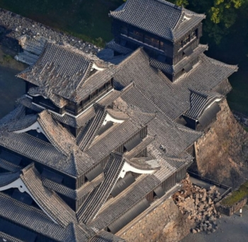 news<熊本地震>熊本城の石垣6カ所崩落 重文の長塀にも被害2