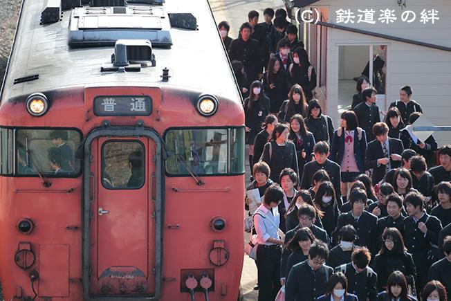 20121024会津坂下駅5D3