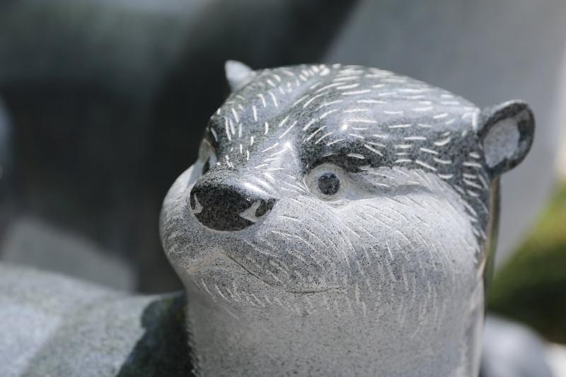 とべ動物園にてニホンカワウソ像の除幕式