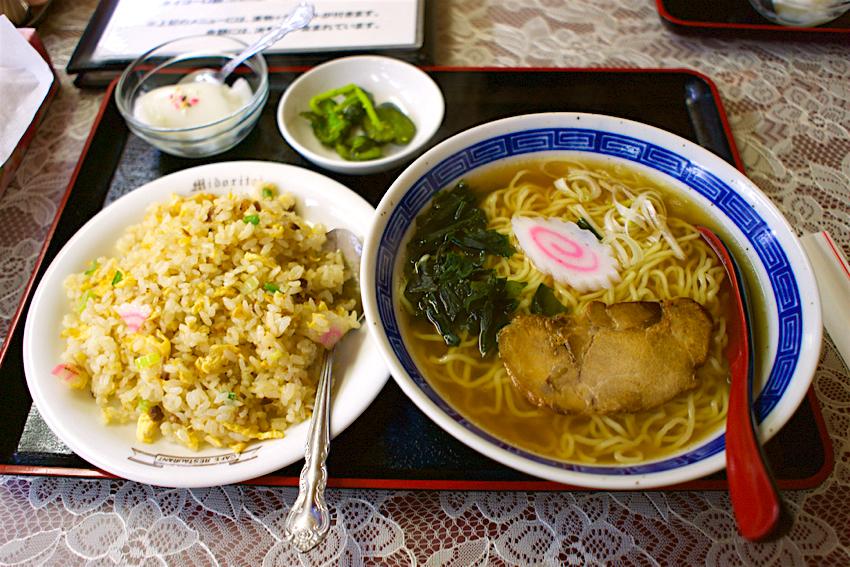 なるみ屋@宇都宮市滝谷町 醤油ラーメン+ミニチャーハン