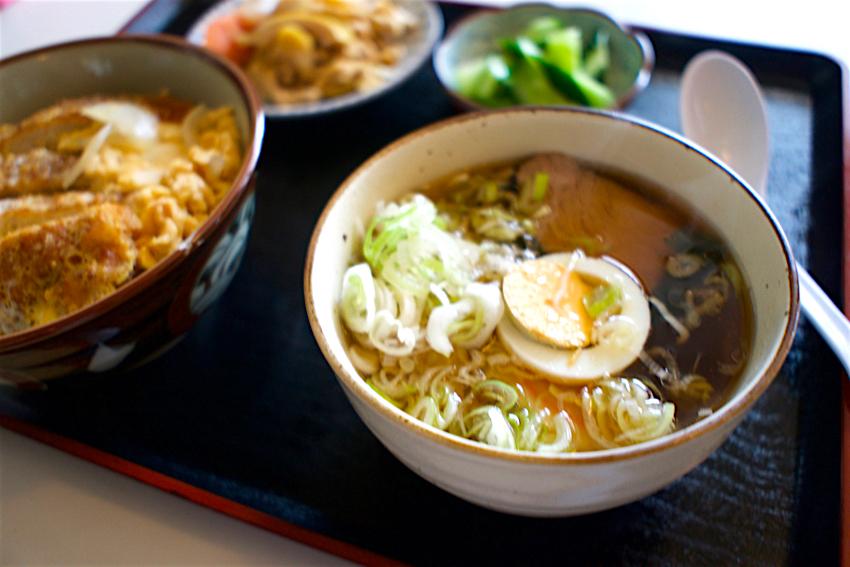 江戸屋食堂@さくら市喜連川 カツ丼と半ラーメン1