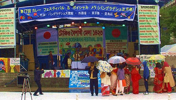 バングラデシュボイシャキ メラ&ザ・ロープ帆船模型展-1