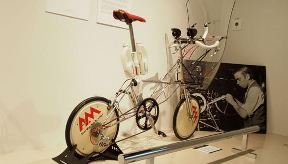 自転車博覧会2016モールトン展@外苑前(2)-1