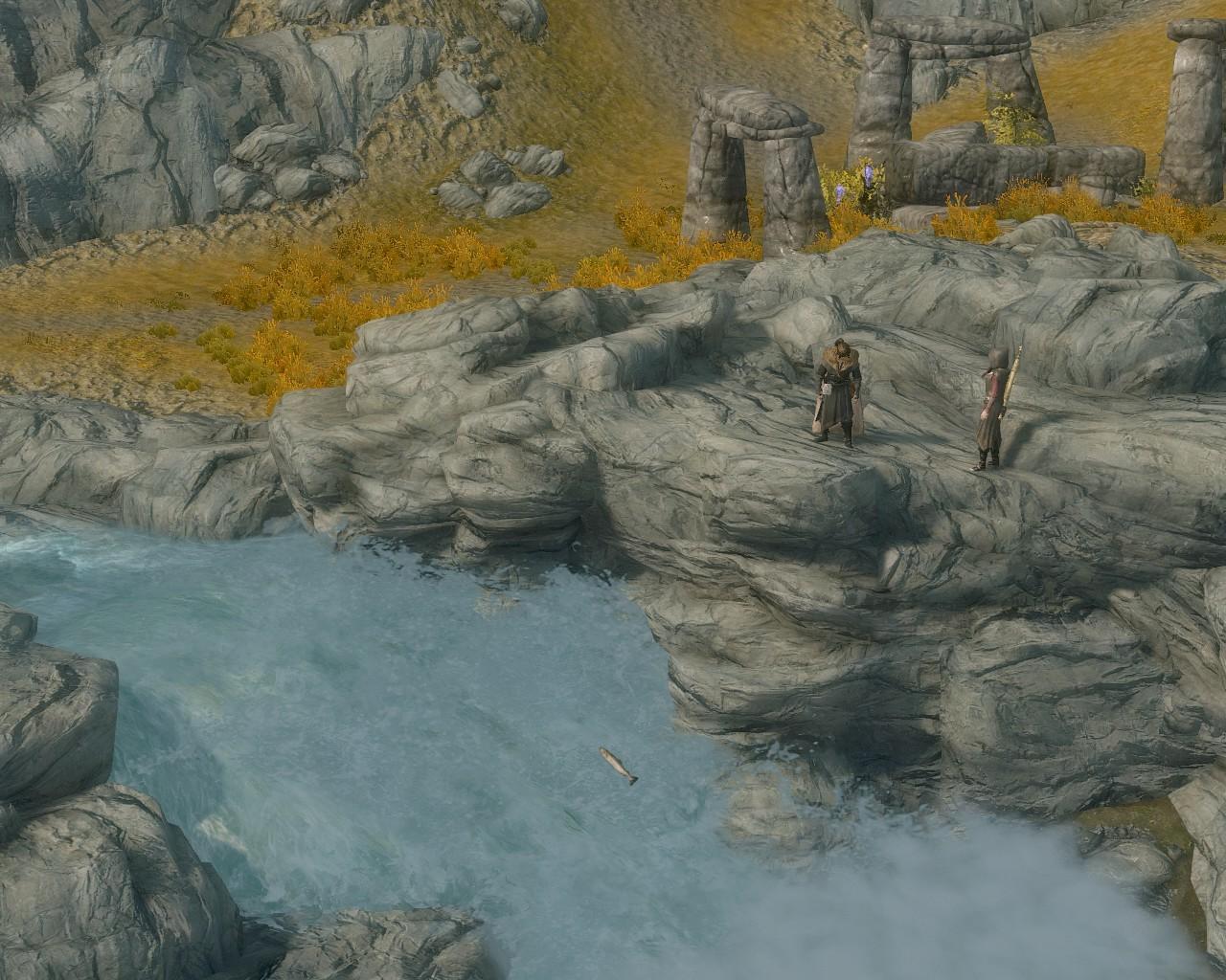 04目印の遺跡と滝