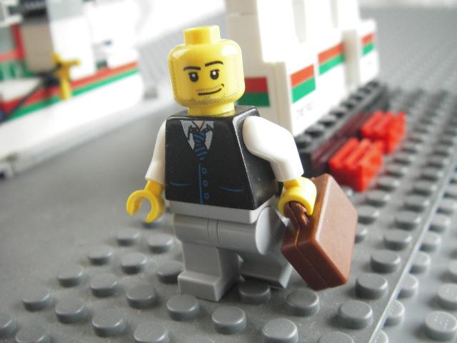 ネクタイをしめて出勤