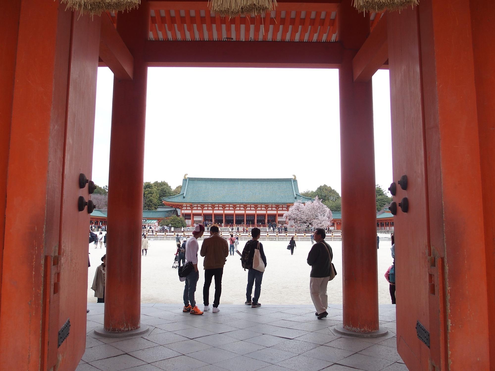 平安神宮の門