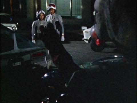モロボシ・ダン隊員を挑発するガッツ星人
