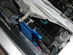エンジン内にオイルクーラー