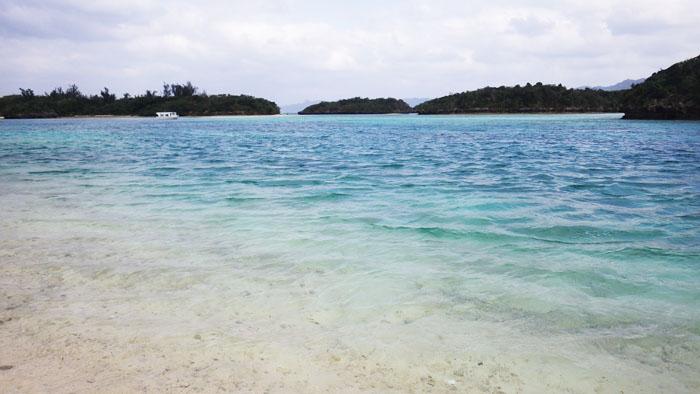 川平湾の海