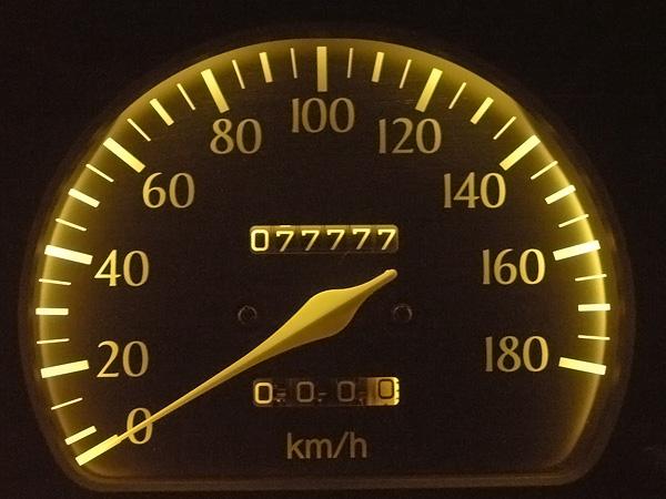 040715-車走行距離77777km