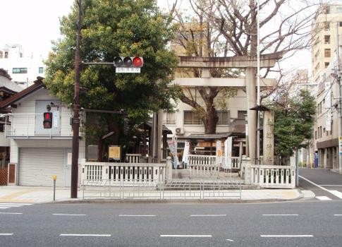 P327024鳥越神社