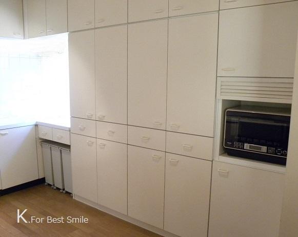 02>キッチンの食器棚引き出し収納