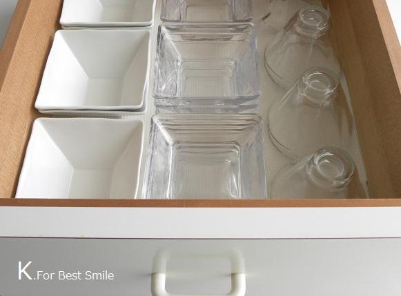 13>キッチンの食器棚引き出し収納