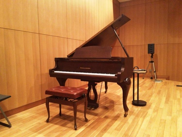 アムールホールピアノ