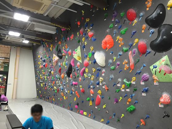 2‐カラフルな人工壁
