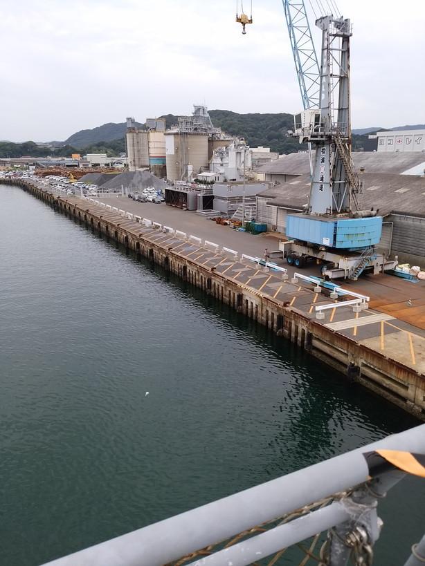 甲板から見る港