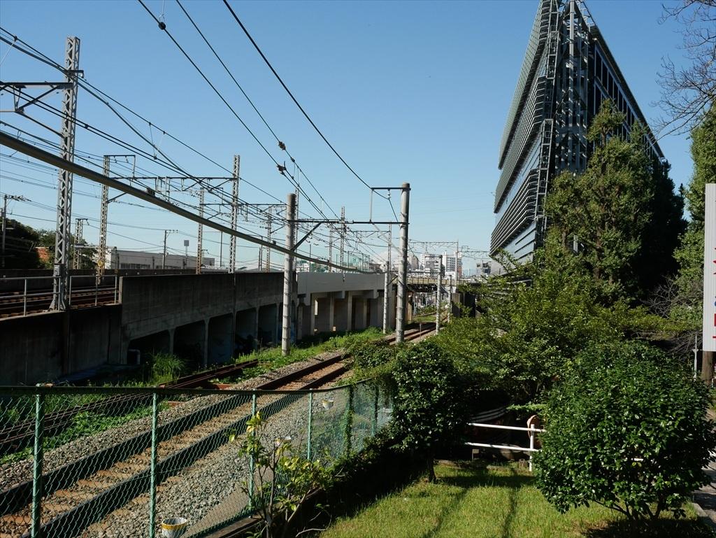 構築物と校舎と線路との位置関係_6
