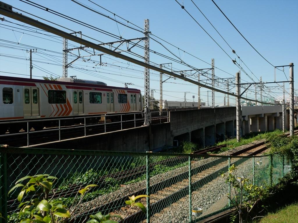 構築物と校舎と線路との位置関係_9