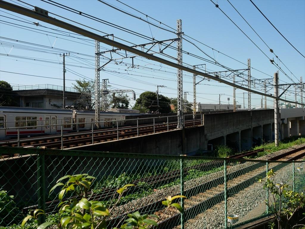 構築物と校舎と線路との位置関係_13