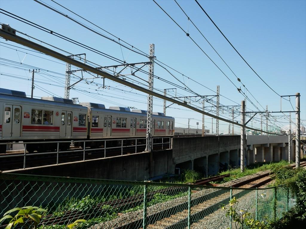 構築物と校舎と線路との位置関係_15