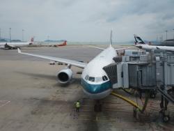 JAL7064便 キャセイパシフィック