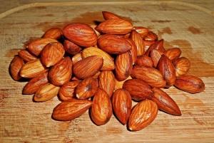 almonds-1279423_960_720.jpg