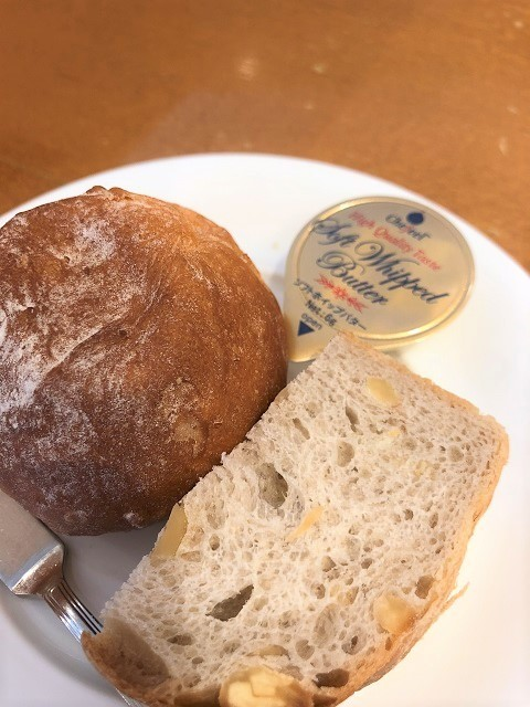 地産地消フレンチレストラン ル ボワァール パン