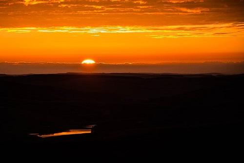 sunrise-1107408_6401.jpg