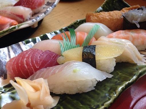 sushi-975075_6401.jpg