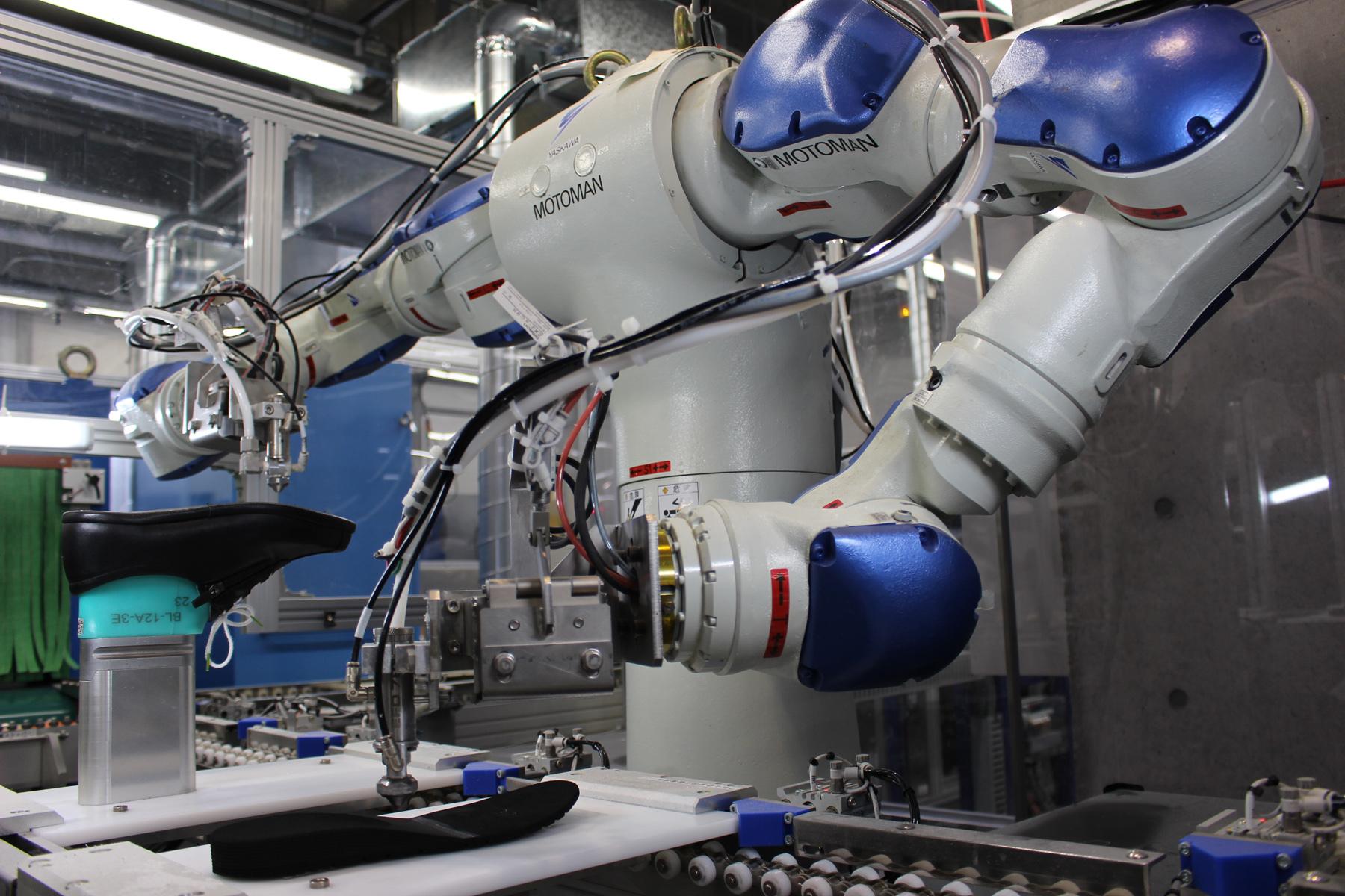 20181015アシックスロボット生産