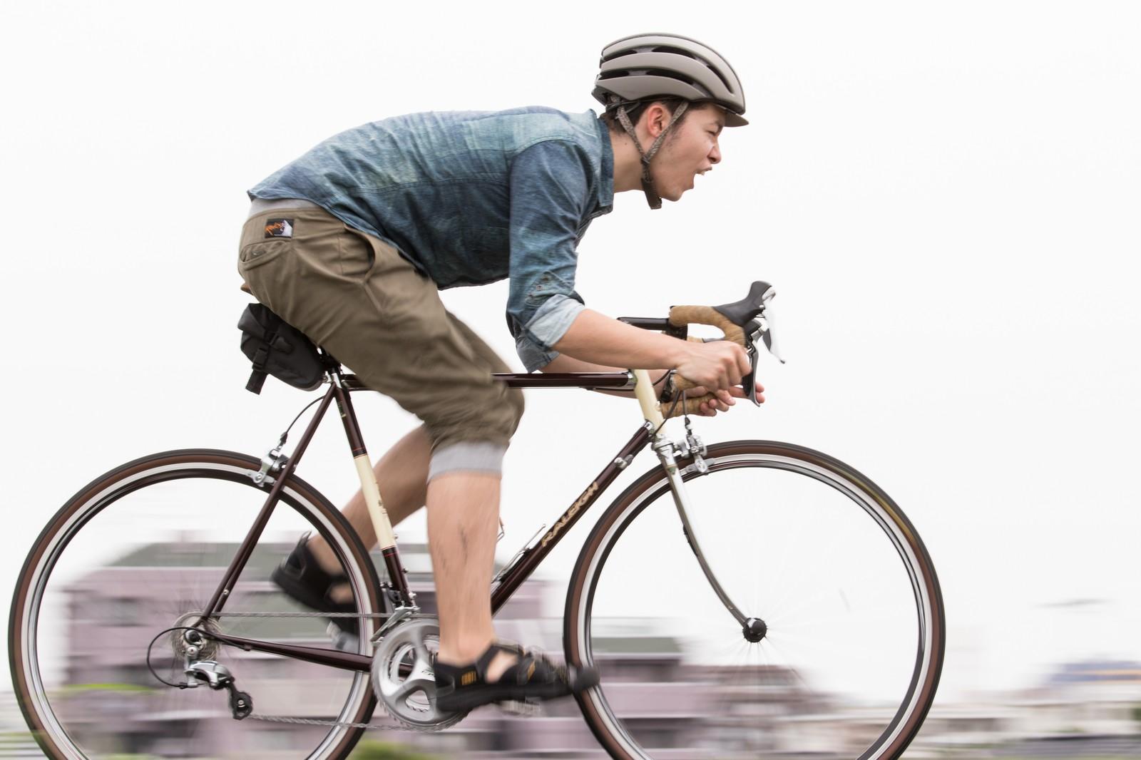 自転車操業 こぎ続けないと生活...